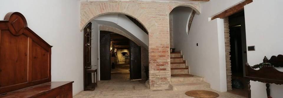 Cal Escori Inside